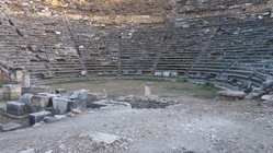 Stratonikeia_theater_3.jpg