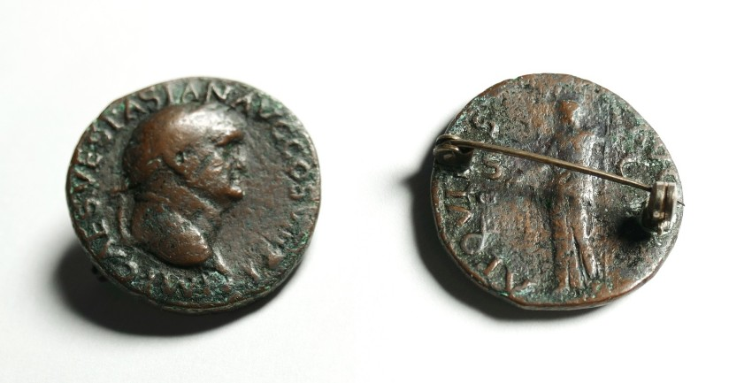 Vespasian Brosche As RIC 1228.jpg