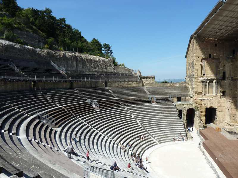 Orange_Theater_Cavea.JPG